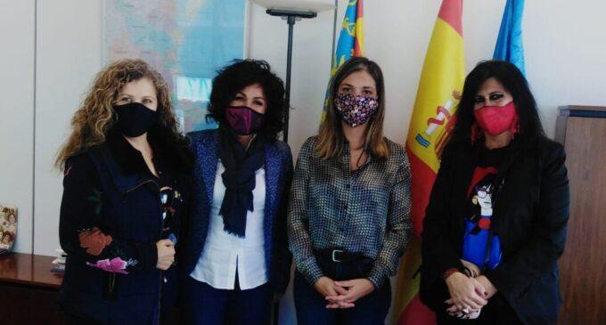 La Concejalía de Promoción y empresas de la artesanía festera buscan el apoyo de la dirección general de Comercio y Artesanía