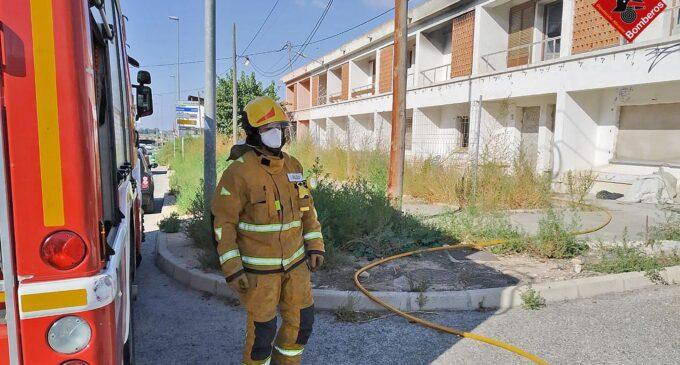 Sofocan un incendio en el interior de una de las viviendas de los Peones Camineros