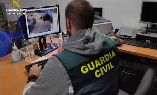 """La Guardia Civil detiene a una persona por estafar a varias empresas usando el """"timo del nazareno"""""""