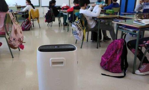 """No ubicarán purificadores de aire en las aulas """"porque no son eficaces"""""""