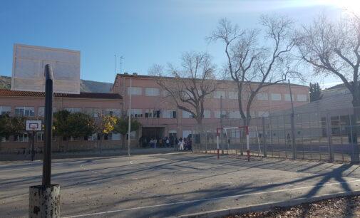 Conselleria aplaza la reunión para valorar las actuaciones en el colegio Príncipe de Villena