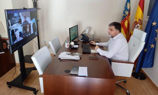 El Comisionado del Gobierno para el Corredor Mediterráneo  reconoce las ventajas del Puerto Seco en Villena