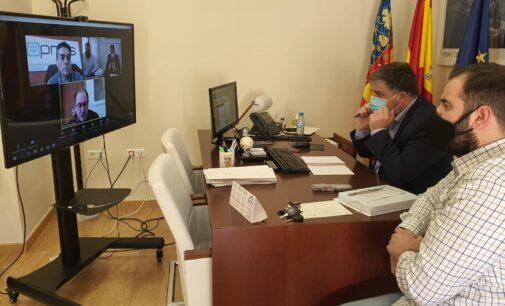 El alcalde de Villena explica a su homólogo de Almansa las oportunidades que creará el Puerto Seco