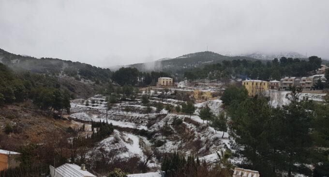 La nieve llega a Biar
