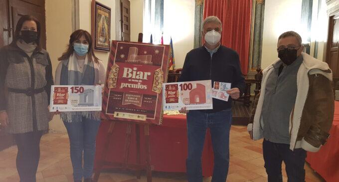 """El Ayuntamiento entrega 5.000 euros en el sorteo de la campaña """"Biar se llena de premios"""""""