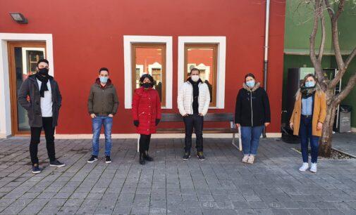 Villena incorpora 5 jóvenes en desempleo a la plantilla municipales