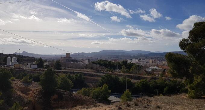 Sanidad detecta un brote en Villena en el ámbito educativo