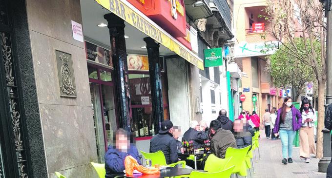 Aprueban reuniones de 6 personas en espacios públicos al aire libre en Semana Santa