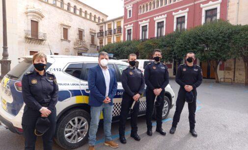 Los cuatro nuevos oficiales de la Policía Local toman posesión de su nuevo cargo en Villena