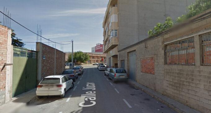 Denuncian el mal estado de la calle Júcar en Villena