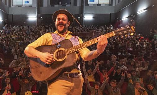 Carlos 'el Tortu' reabre la programación teatral para el público infantil en Villena