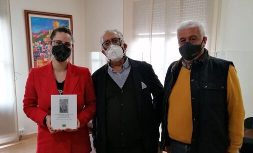 La Academia Valenciana de Genealogía y Heráldica de la Comunidad Valenciana presenta sus servicios al Ayuntamiento de Villena