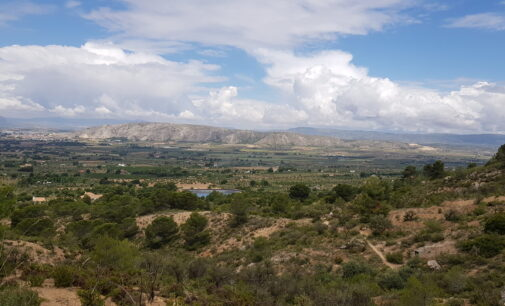 El PP alerta del peligro de desaparición de las zonas de escalada en Peña Rubia