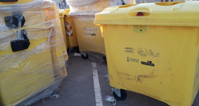 El Ayuntamiento instala 18 nuevos contenedores de envases en el casco urbano y diseminados