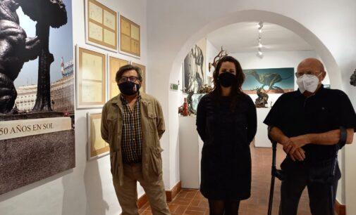 El Museo Navarro Santafé acoge la exposición 'Las Virtudes de la Escultura', un maridaje de obras y vino