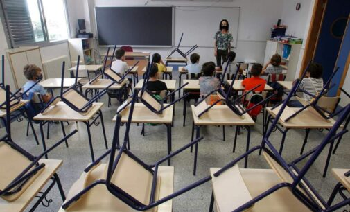 Celaá afirma que los alumnos mayores de 12 años se vacunarán la primera semana de curso