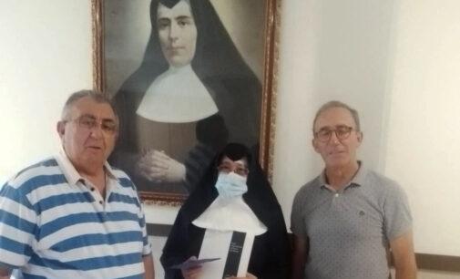 """La Peña Valencianista """"El Tesoro"""" entrega un donativo al Asilo de Villena"""