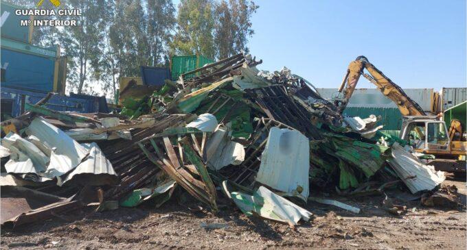 Detienen a 8 personas en Novelda por la sustracción de 3500 kilos de chatarra