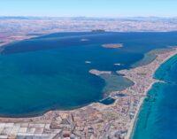 Recogida de firmas en Villena para salvar el Mar Menor
