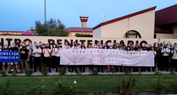 Trabajadores de la cárcel de Villena piden la dimisión del director
