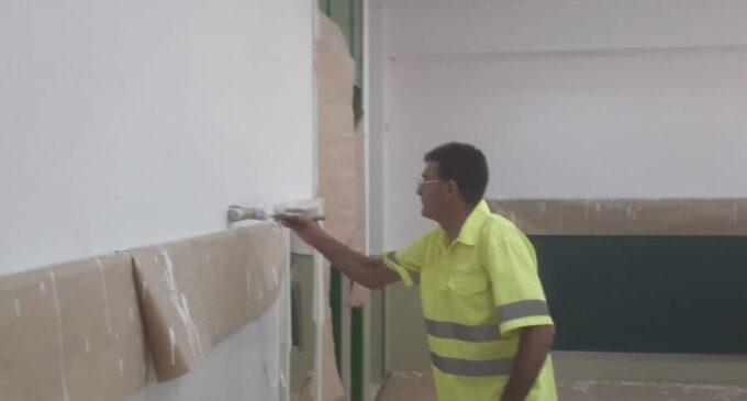 El Ayuntamiento colabora en mejorar el aula de Infantil de dos años en el CEIP Joaquín María López