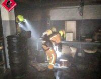 Incendio en una nave del polígono de Bulilla