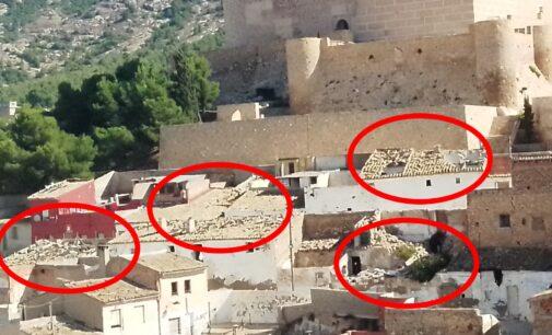 El PP indica que la degradación del entorno del Castillo daña  la imagen turística de Villena