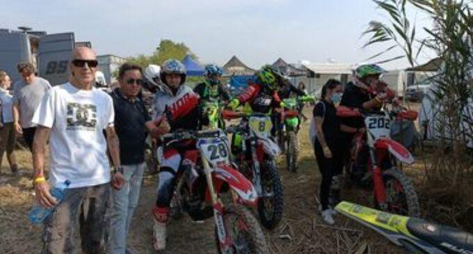 El villenense Héctor López sigue primero en el campeonato de Motocross MotoDes